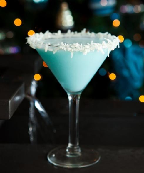 Chocolate Snowball Martini - Christmas drinks
