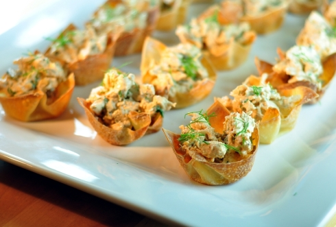 chicken salad wonton cups