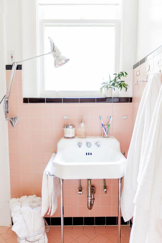 50s Pink Vintage Bathroom